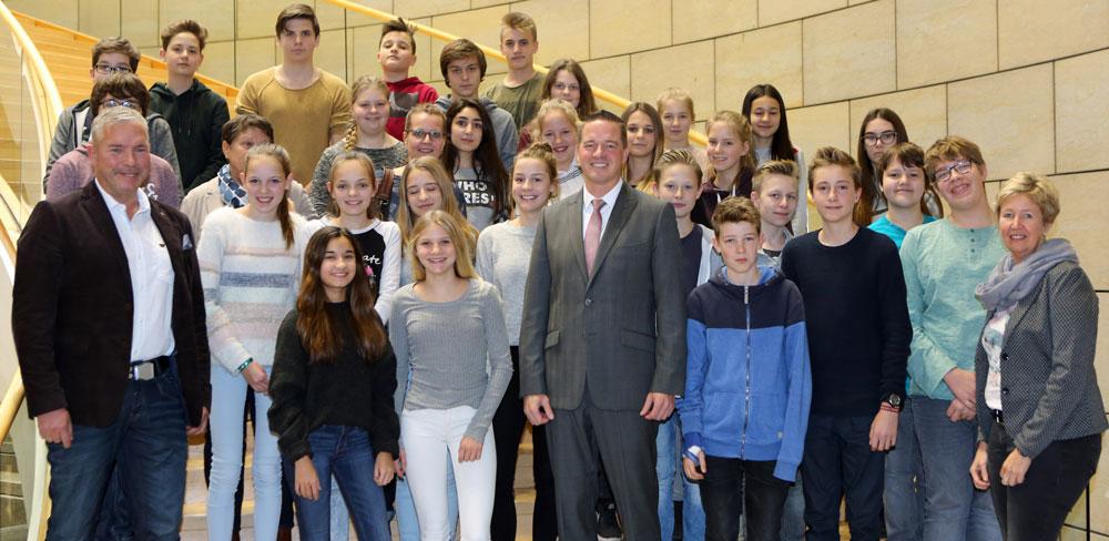 Schüler aus Brühl besuchen mich im Landtag