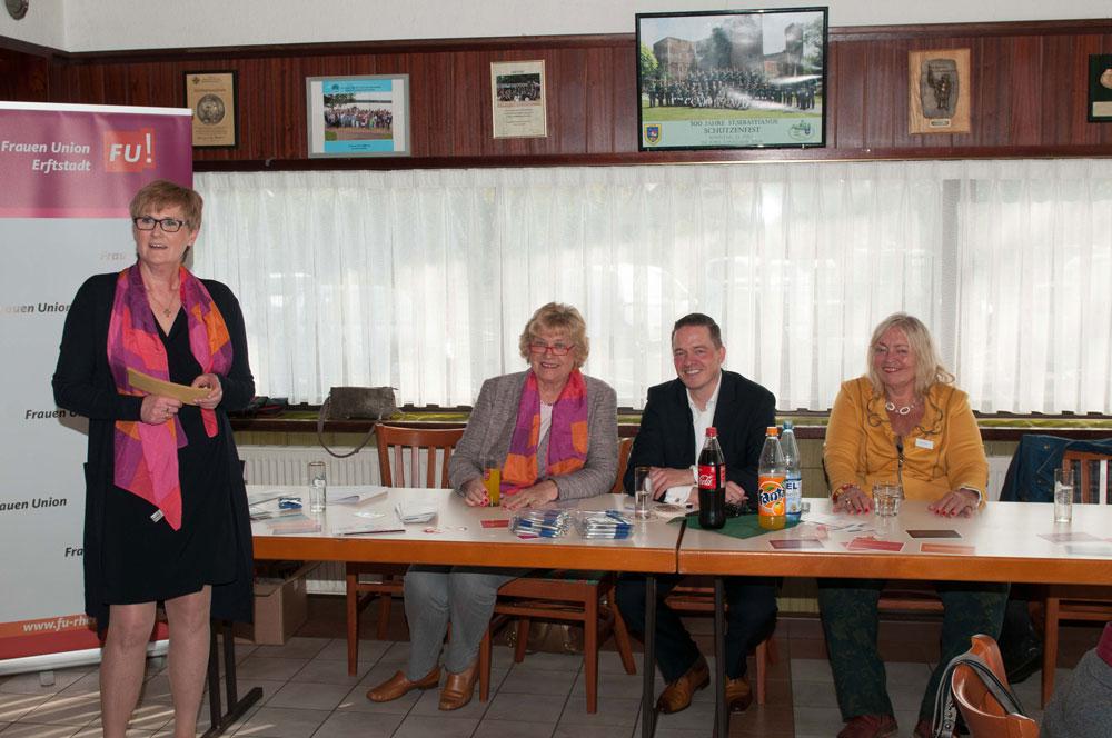 Gregor Golland bei der Frauen-Union Erftstadt zu Sicherheit, Kriminalität und Flüchtlingen