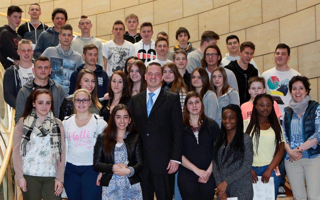 Schüler aus Erftstadt im Landtag