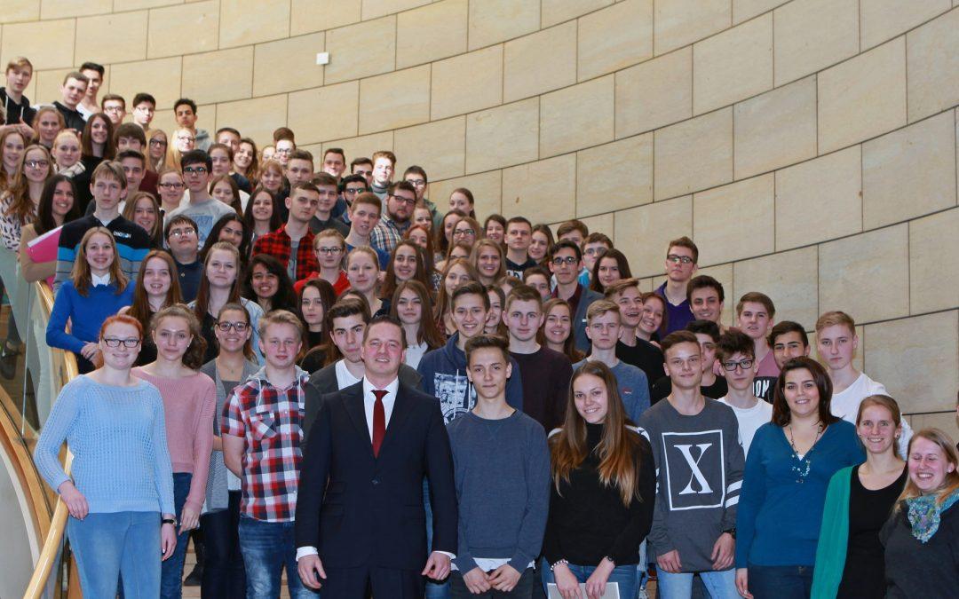 Bedburger Schüler zu Besuch im Landtag
