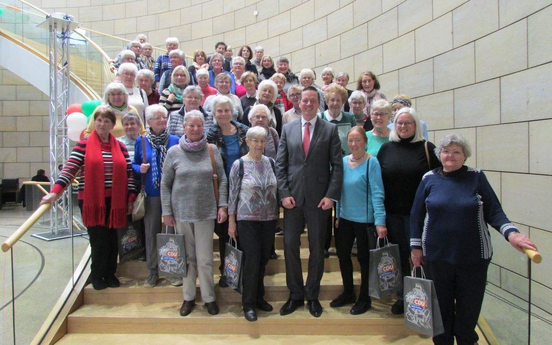 Katholische Frauengemeinschaft Brühl besucht den Landtag
