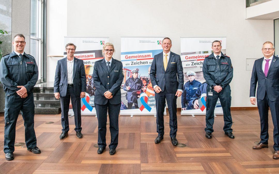 """""""NRW zeigt Respekt!"""" – 30.000 Pins als Zeichen der Solidarität für Einsatzkräfte"""