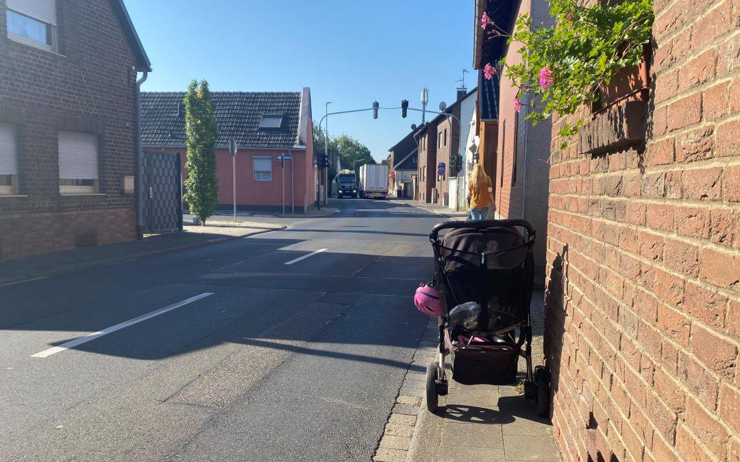 Golland macht sich Bild von Verkehrssituation in Erftstadt-Dirmerzheim